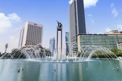 Monumento bem-vindo com fonte Imagens de Stock
