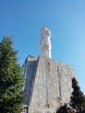 Monumento bendecido de la Virgen María en Haskovo, Bulgaria Fotografía de archivo