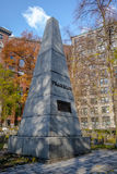 Monumento a Benjamin Franklin en el cementerio de la tierra de entierro del granero - Boston, Massachusetts, los E.E.U.U. imágenes de archivo libres de regalías