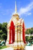 Monumento buddista davanti al cielo Fotografia Stock Libera da Diritti