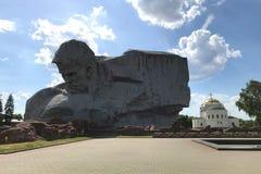 """Monumento chiesa nella fortezza di Brest, Bielorussia della guarnigione di San Nicola e """"""""di coraggio fotografie stock libere da diritti"""