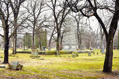 Monumento in cimitero Immagini Stock