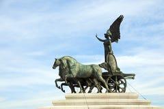 Monumento con alas de la victoria, Roma - Italia Fotos de archivo