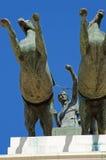 Monumento con i cavalli ed il guerriero Immagine Stock