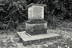 Monumento con la incisión foto de archivo libre de regalías