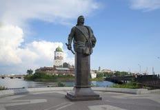 Monumento da contagem F M Apraksin em Vyborg imagem de stock royalty free