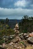 Monumento das rochas em honra das montanhas, muito comuns nos Andes foto de stock royalty free