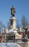 Monumento de Adam Mickiewicz, Varsóvia, Poland Imagens de Stock Royalty Free