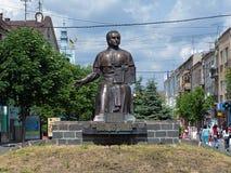 Monumento de Alexander Dukhnovich em Mukacheve Foto de Stock