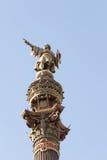 Monumento de Christopher Columbus que señala hacia América durante puesta del sol de oro en Barcelona, Cataluña, España Fotografía de archivo libre de regalías