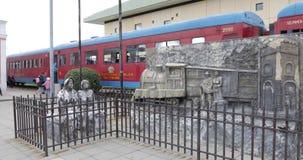 Monumento de Colombia Cajica en el área de la estación almacen de video