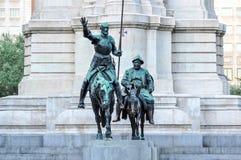 Monumento de Don Quixote e de Sancho Panza no quadrado da Espanha, Madri, Espanha foto de stock royalty free