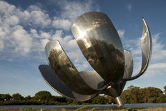 Monumento de Floralis em Buenos Aires Foto de Stock