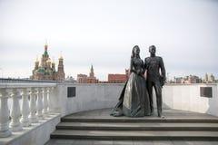 Monumento de Grace Kelly e do príncipe Rainier III de Mônaco imagem de stock