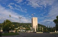 Monumento de guerra en Como, Italia imagen de archivo