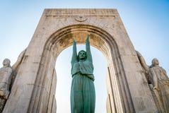 Monumento de guerra gigantesca fotos de archivo
