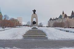Monumento de guerra nacional, Ottawa, Canadá imagen de archivo