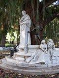 Monumento de Gustavo Adolfo Becquer en Sevilla Foto de archivo libre de regalías