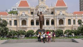 Monumento de Ho Chi Minh na cidade de Ho Chi Minh video estoque