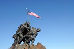 Monumento de Iwo Jima contra el cielo Foto de archivo