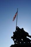 Monumento de Iwo Jima contra el sol Fotos de archivo