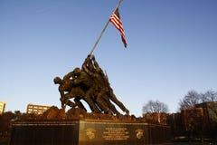 Monumento de Iwo Jima en el amanecer en Arlington imagenes de archivo