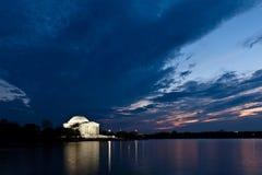 Monumento de Jefferson en Washington DC en la oscuridad imágenes de archivo libres de regalías