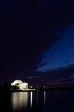 Monumento de Jefferson en Washington DC en la oscuridad Imagenes de archivo
