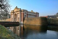 Monumento de la puerta de Menin en Ypres fotos de archivo libres de regalías