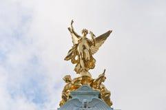 Monumento de la reina Victoria en Londres, Inglaterra Imagen de archivo