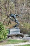 Monumento de la Segunda Guerra Mundial en jardín botánico de la ciudad Kiev, Ucrania Foto de archivo libre de regalías