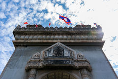 Monumento de la victoria de Patuxai en Vientian foto de archivo