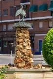 Monumento de las cigüeñas en el ¡de Henares de Alcalà Imagen de archivo libre de regalías