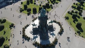 Monumento de Maria Theresa en la antena de Viena metrajes
