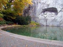 Monumento de muerte del león Foto de archivo libre de regalías