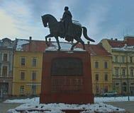 Monumento de rey Peter en la plaza principal en Zrenjanin, Serbia imagen de archivo