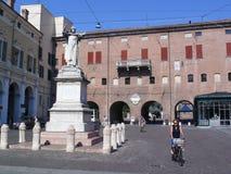 Monumento de Savonarola en su ciudad natal Ferrara, Italia Foto de archivo