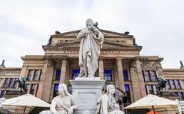 Monumento de Schiller en Gendarmenmarkt, Berlín, Alemania Fotos de archivo libres de regalías