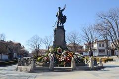 Monumento de Vasil Levski Apostle da liberdade em sua cidade nativa Karlovo, Bulgária fotos de stock royalty free