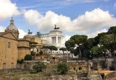 Monumento de Vittorio Emanuele y de Roman Forum, Roma Fotografía de archivo libre de regalías