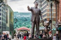 Monumento de Walt Disney y de Mickey Imágenes de archivo libres de regalías
