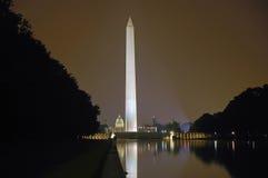 Monumento de Washington en la noche Foto de archivo libre de regalías