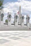 Monumento de Washington y monumento de la Segunda Guerra Mundial Imagen de archivo libre de regalías