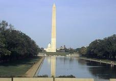 Monumento de Washington y piscina de la reflexión Fotografía de archivo libre de regalías