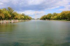 Monumento de Washington y piscina de reflejo foto de archivo