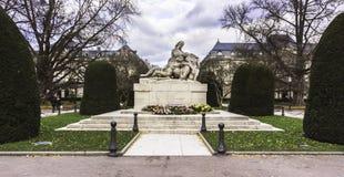 Monumento dedicado às vítimas da guerra - Strasbourg, França imagens de stock