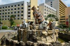 Monumento dei gatti al centro di Kuching Fotografie Stock