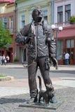 Monumento del barrendero feliz de la chimenea en Mukacheve Fotos de archivo libres de regalías