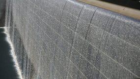 Monumento del centro de comercio mundial - caída del agua imagenes de archivo
