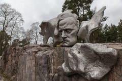 Monumento del compositor de Jean Sibelius en el invierno Helsinki, Finlandia Foto de archivo libre de regalías